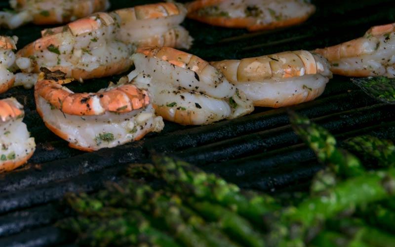 Rosemary Shrimp With Asparagus