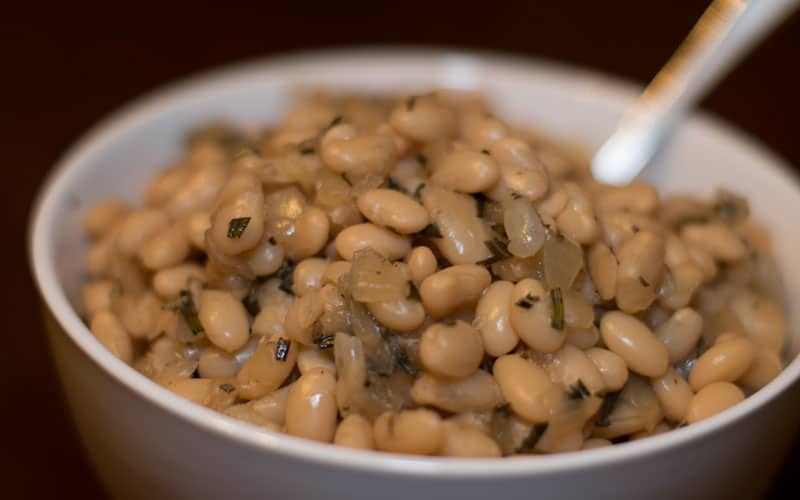 Great Northern White Beans with Rosemary and Roasted Garlic