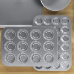 Chicago Metallic Commercial Muffin Pan