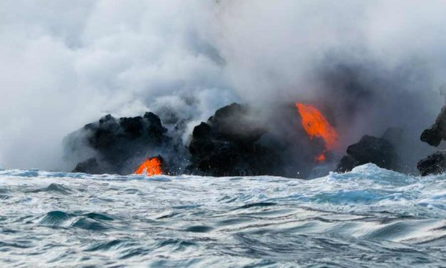 Watching Hot Lava and the Ocean Get Together in Hawaii Will Change How You See the Earth
